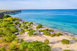 Vista áerea de la playa Cueva De Las Águilas
